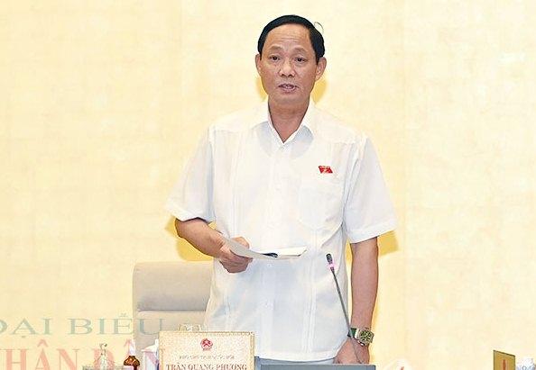 Phó Chủ tịch Quốc hội Trần Quang Phương điều hành phiên họp.